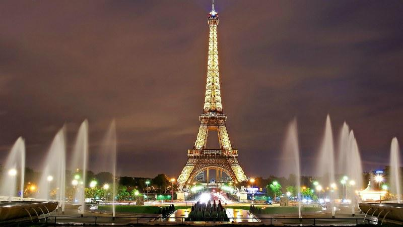 Full day Tour of Champs-Elysees and Eiffel Tower