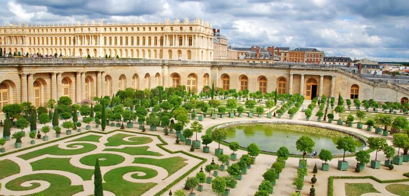 Full Day Private Versailles Tour by Trains